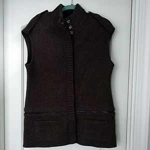 Woman's Brown Worth Wool Vest Size Small
